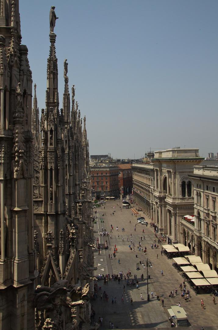 Pohled ze střechy Duomo di Milano