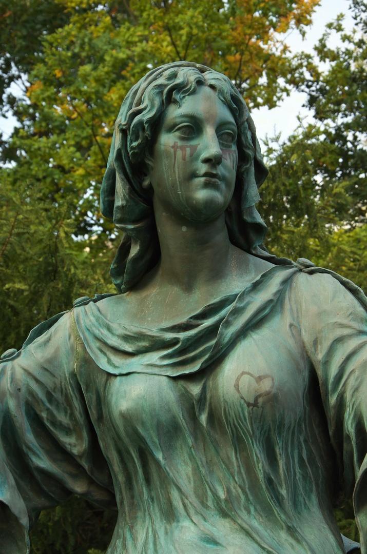 Alegorická socha Tolerance