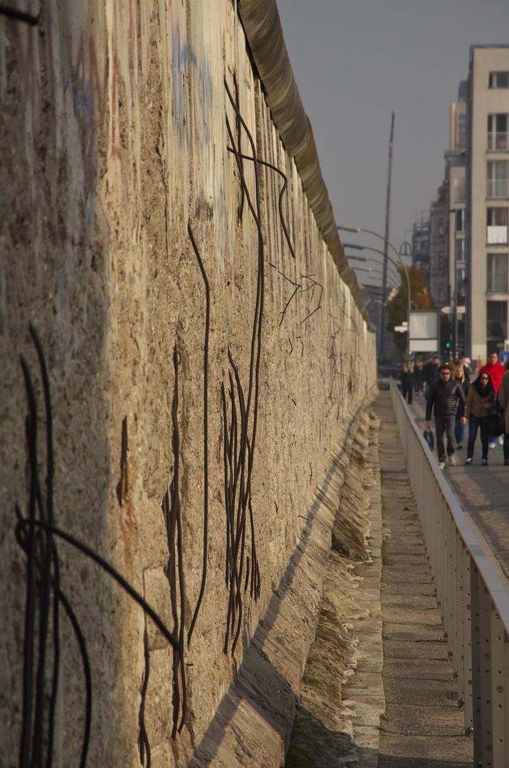 Zbytky Berlínské zdi před centrem Topographie des Terrors