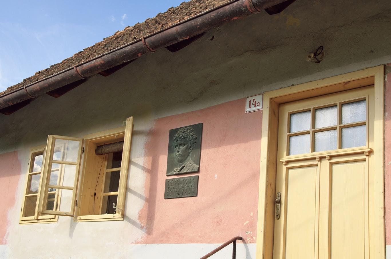 Rodný dům J. Uhra, Podolí