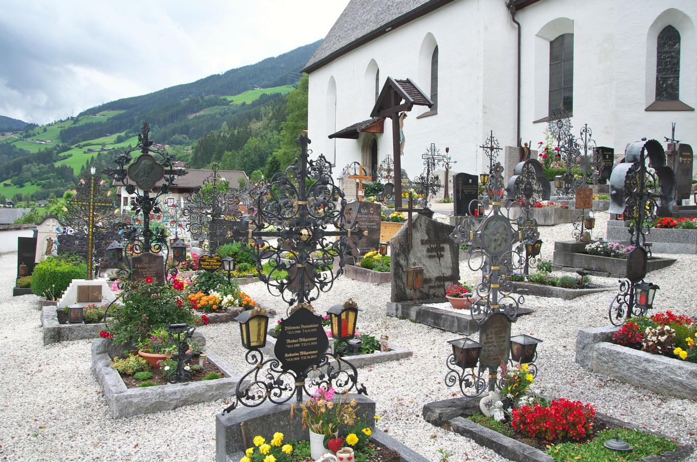 Hřbitov v obci Wald im Pinzgau