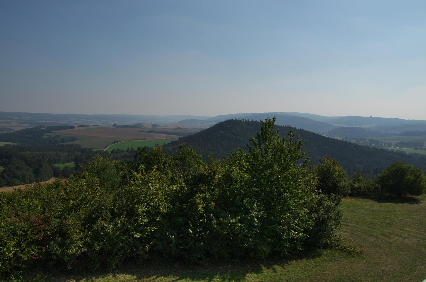 Pohled z Malého Chlumu na Velký Chlum