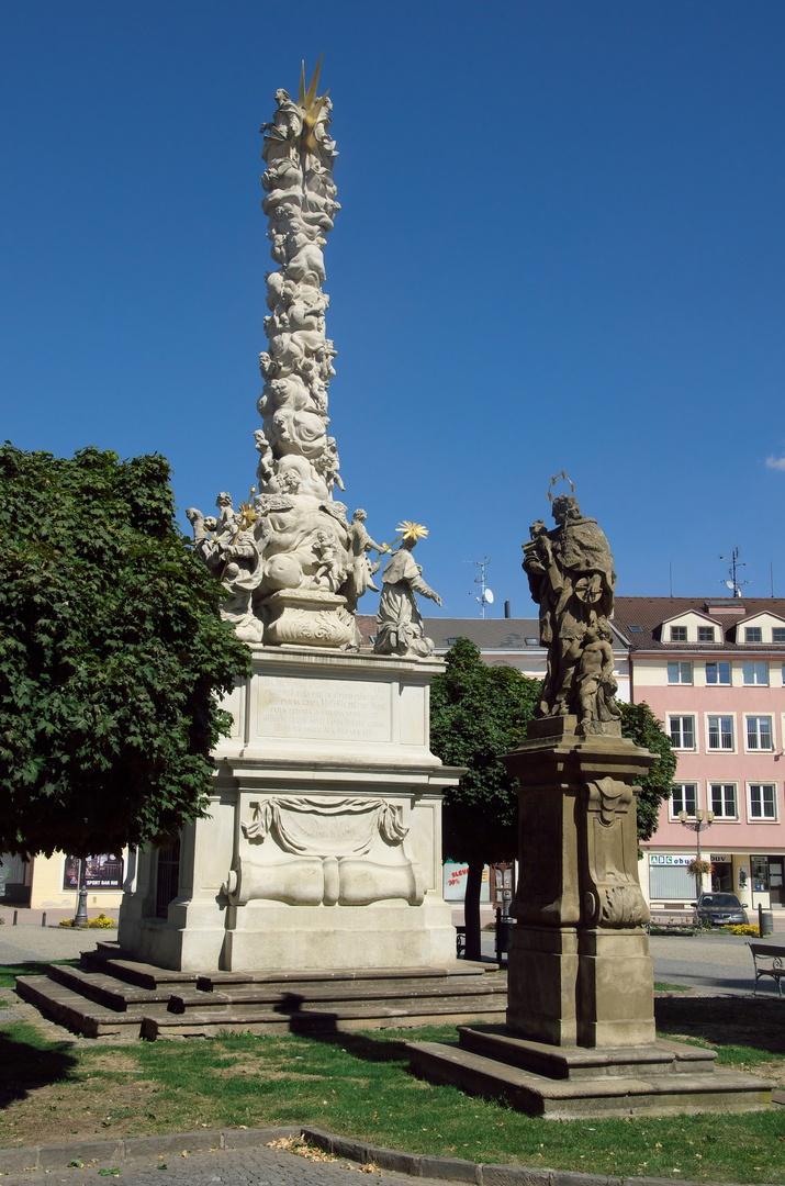 Masarykovo náměstí, Morový sloup