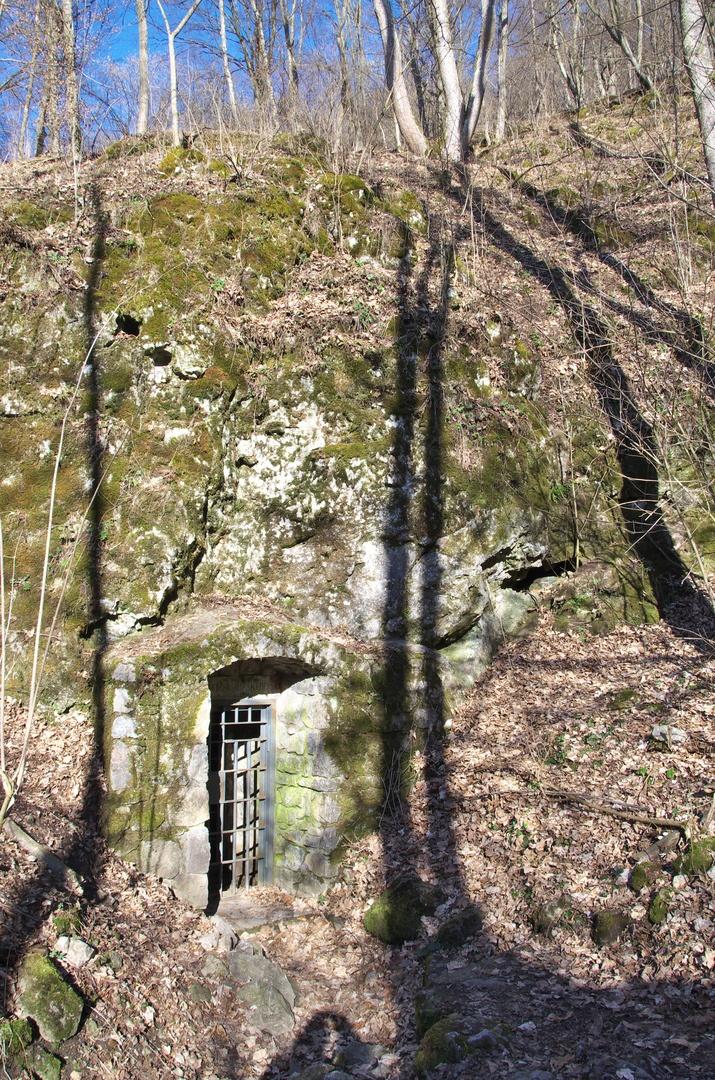 Údolí Říčky, Ochozská jeskyně