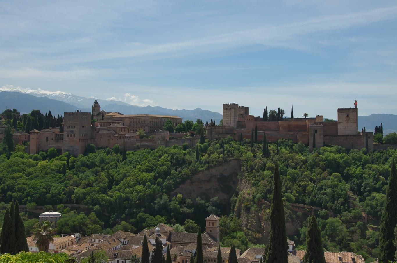 Pohled na Alhambru z vyhlídky San Nicolás