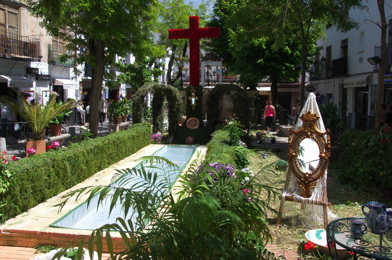 Albaicin, příprava na Slavnost Kříže, která probíhá 3. květha (my tam byli 2.)