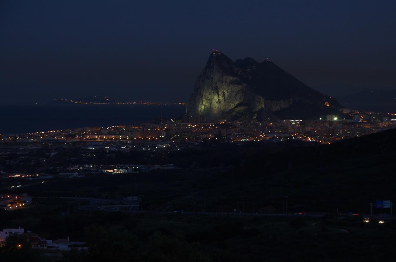 Gibraltar z vyhlídky Mirador del Higuerón