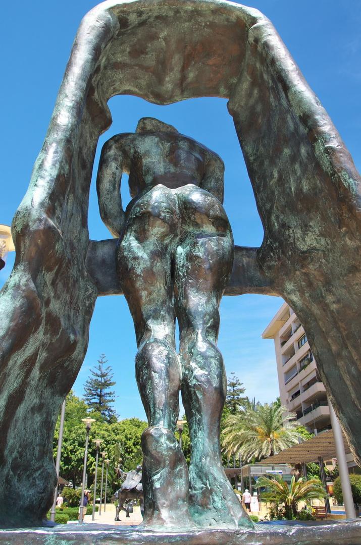 Socha Salvadora Dalího na Avenida del Mar