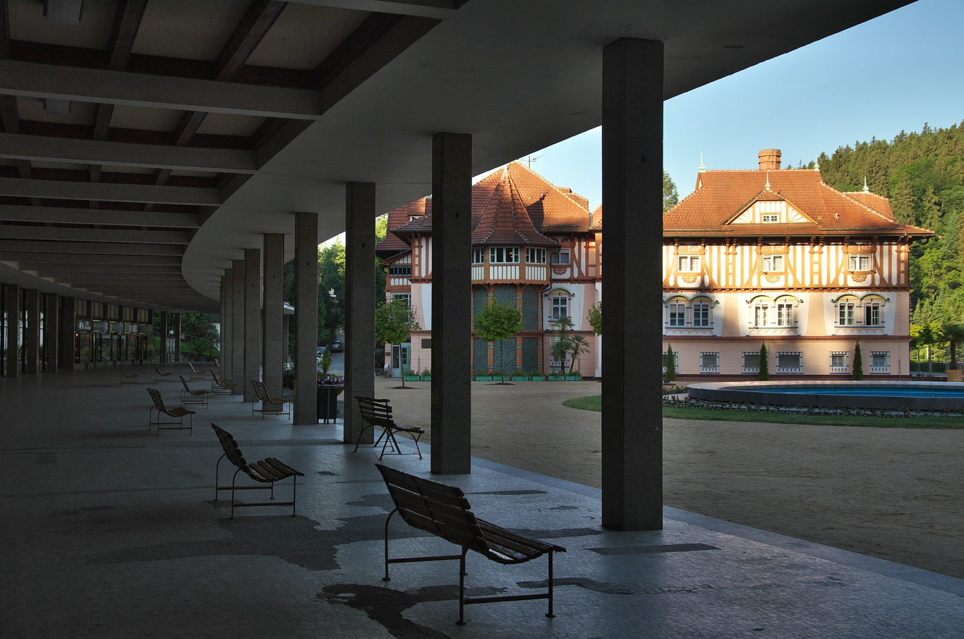Kolonáda a Jurkovičův dům