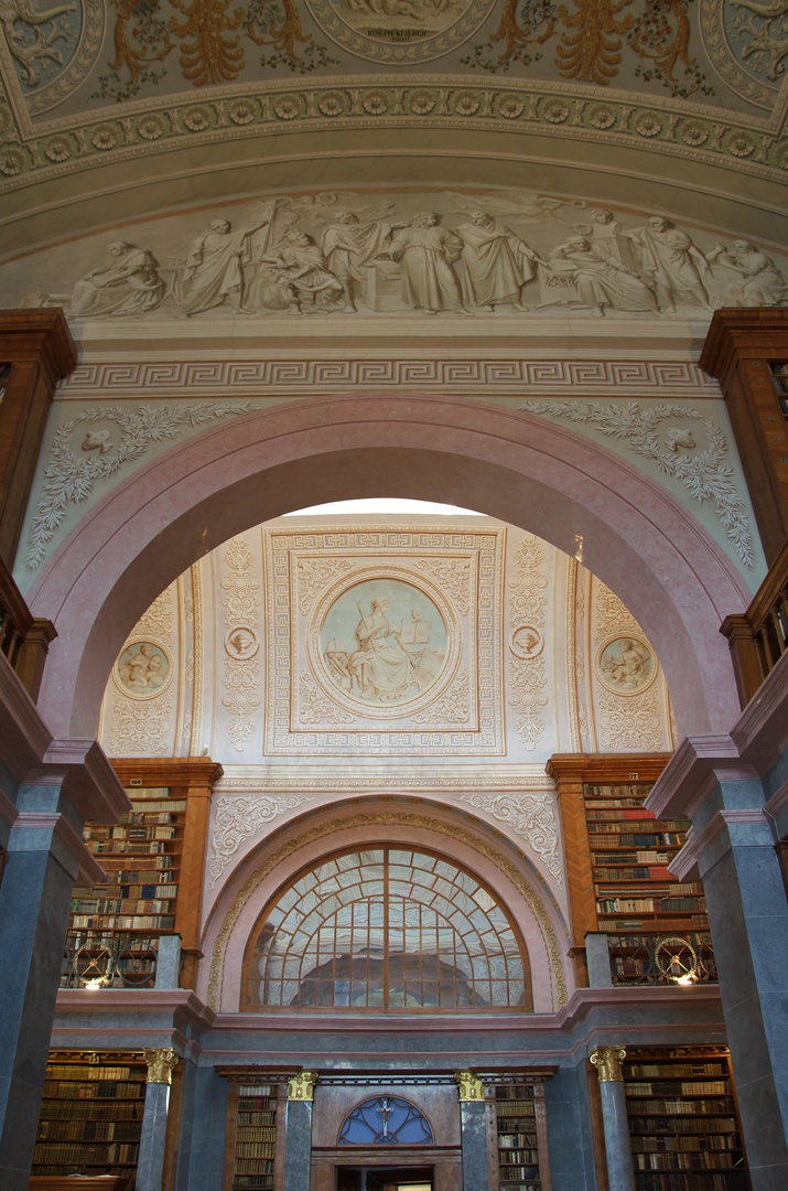 Benediktinské opatství v Pannonhalmě, knihovna