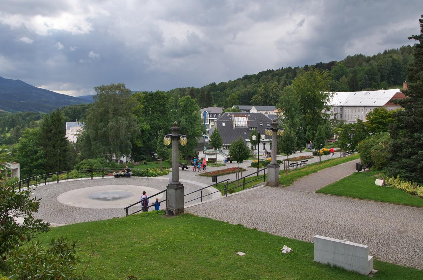 Pohled na Lázně Jeseník od Sanatoria Priessnitz