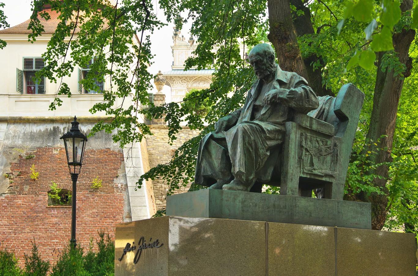 Pomník Aloise Jiráska