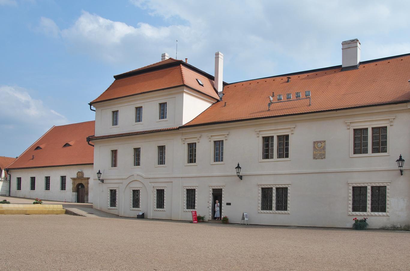 Zámecký pivovar, v němž se nachází rodný byt Bedřicha Smetany