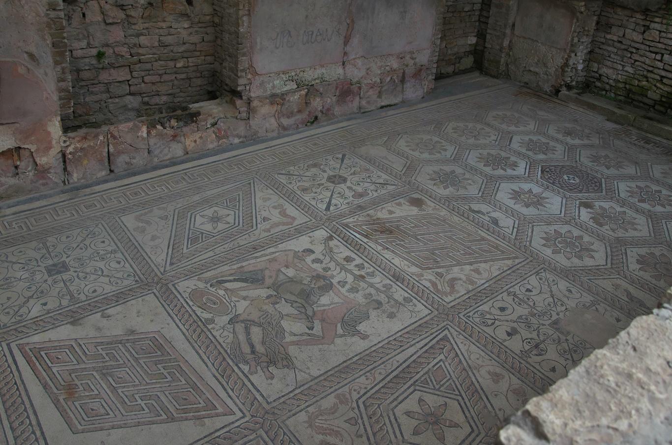 Římská mozaika s motivem potrestání Dirké