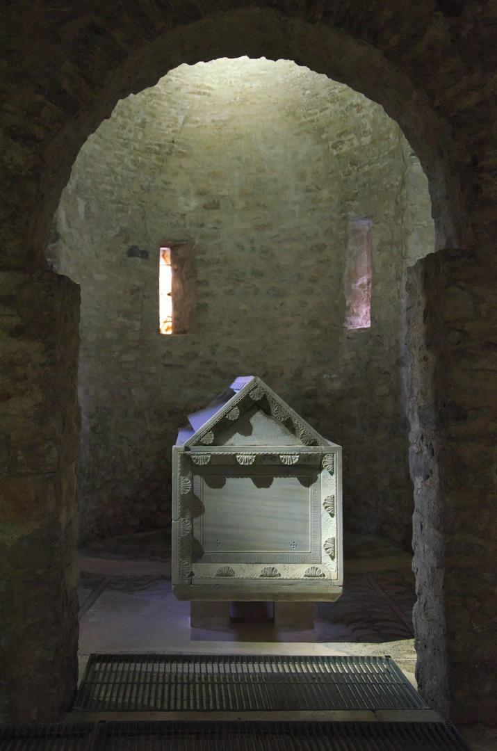 Eufraziova bazilika, Poreč - hrobka