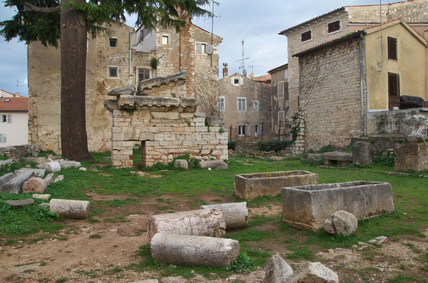 Pozůstatky římského chrámu v Poreči