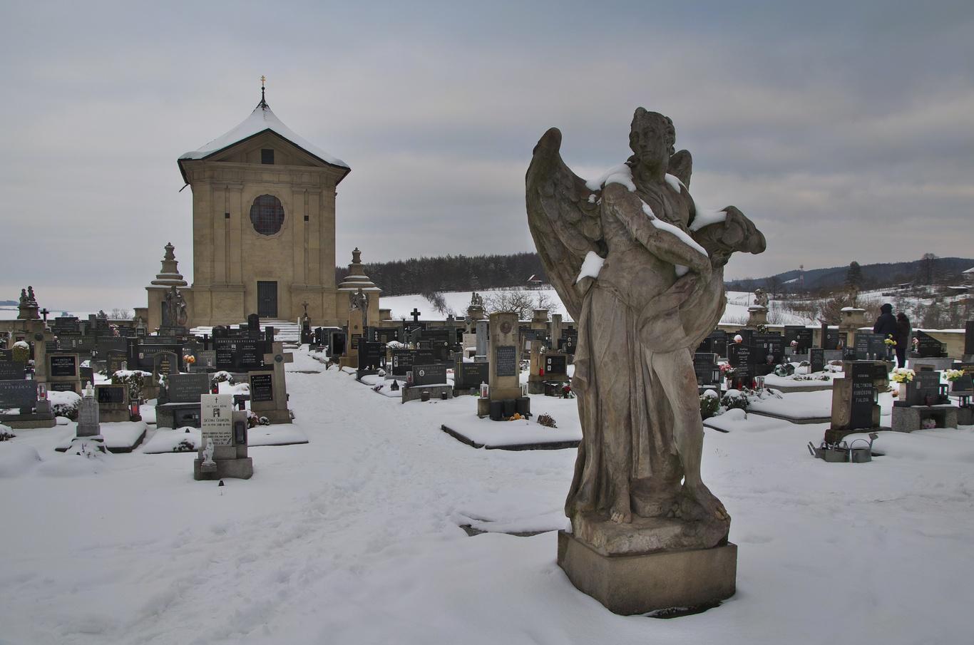 Střílky, barokní hřbitov