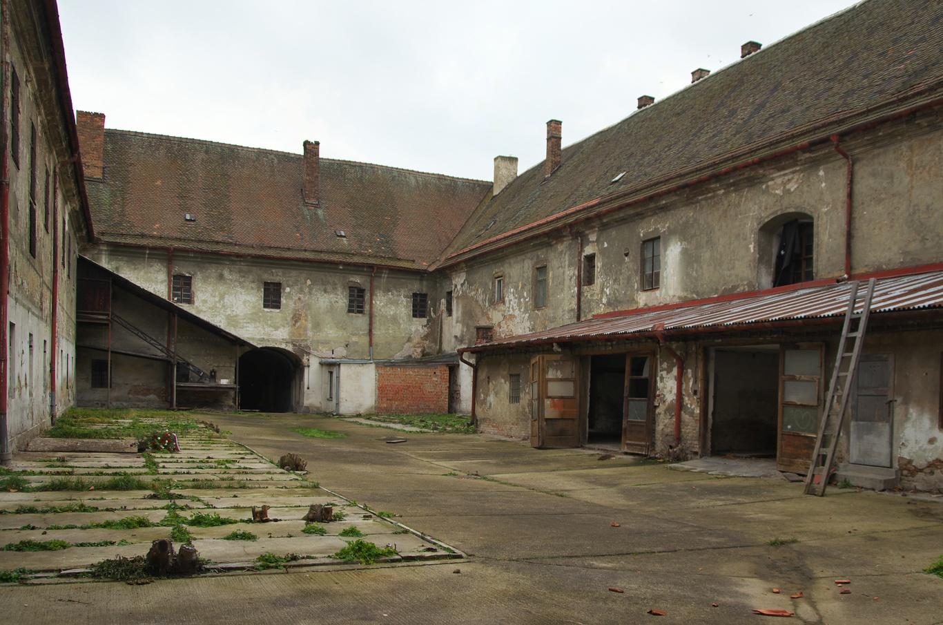 Bývalá brněnská káznice, dvůr č. 1 - ženský - zde probíhaly po roce 1948 popravy.