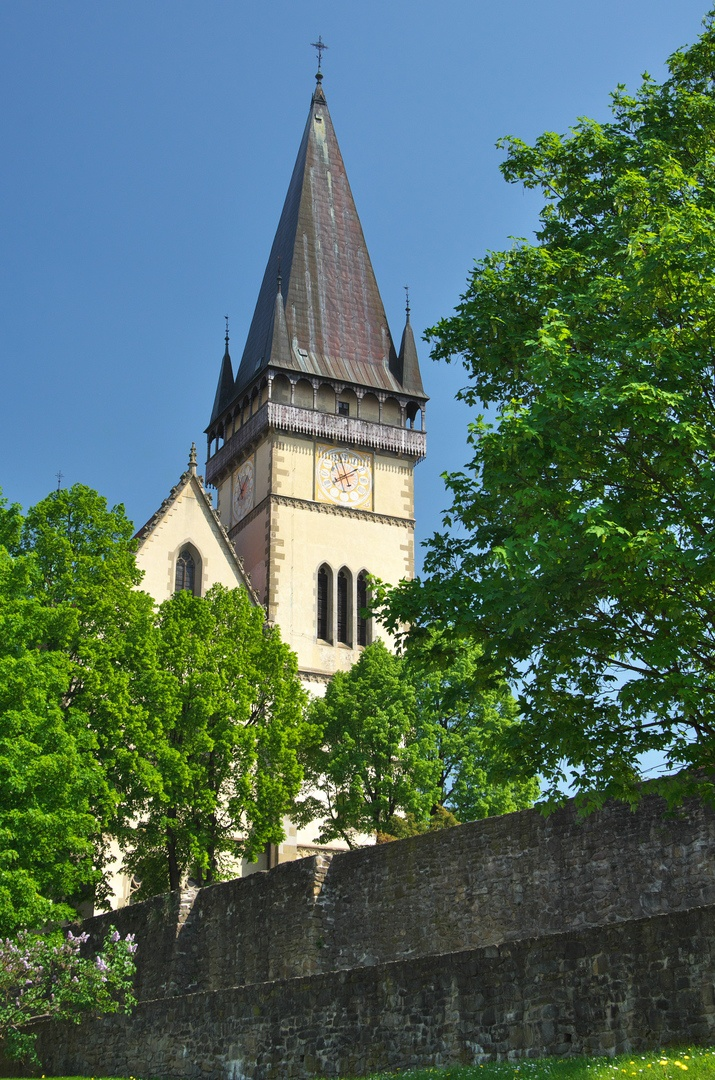 Věž baziliky sv. Egídia