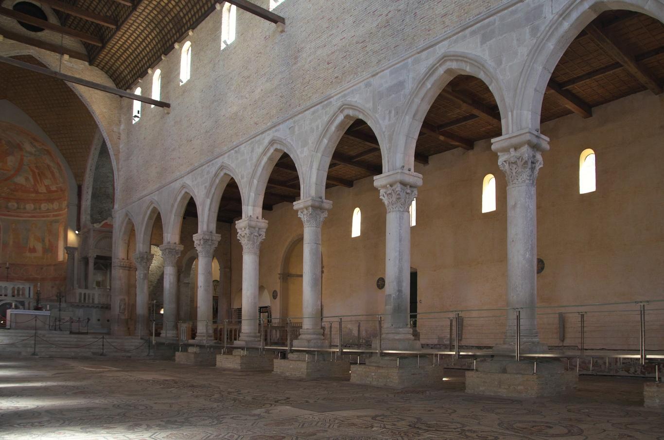 Aquileia, interiér baziliky