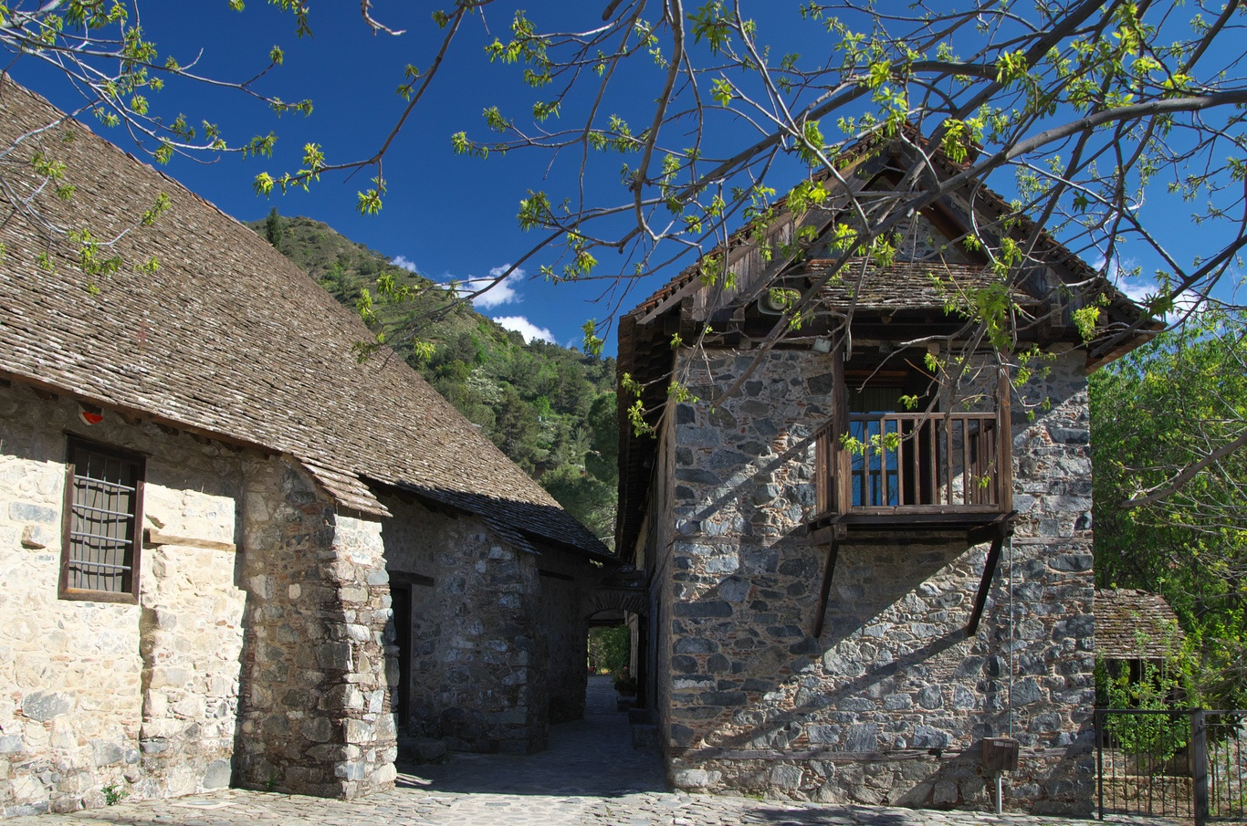 Klášter Agios Ioannis Lambadistis v obci Kalopanagiotis