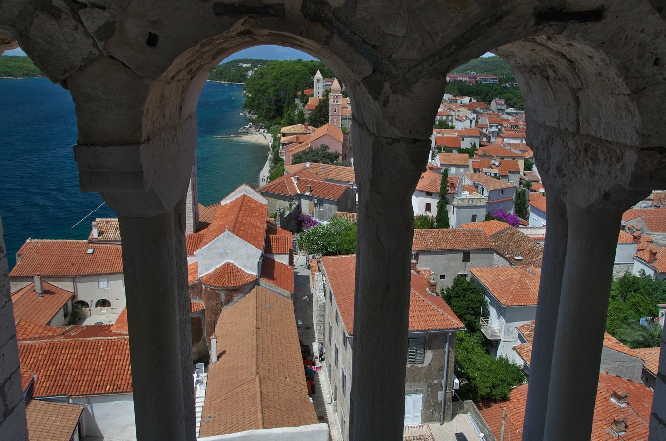 Městečko Rab, výhled ze zvonice