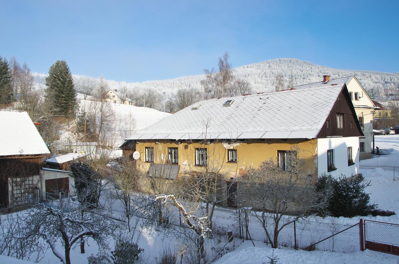 Kunčice, leden 2020 - výhled z okna naší chajdy.
